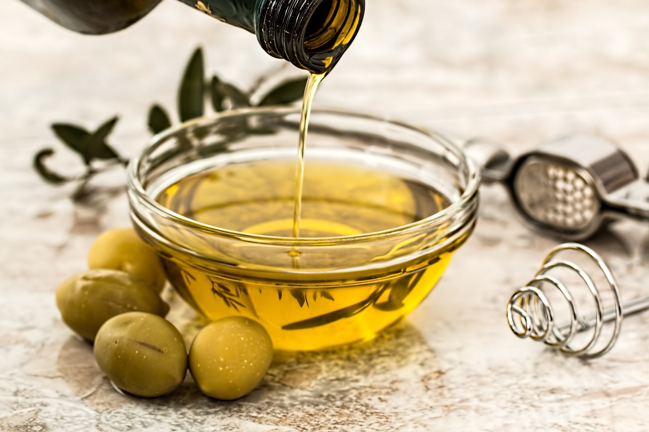 Photo of Reduce Free Radicals: Antioxidants And The Health Benefits Of Olive Oil